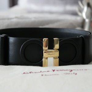 AUTHENTIC Salvatore Ferragamo Black Leather Belt